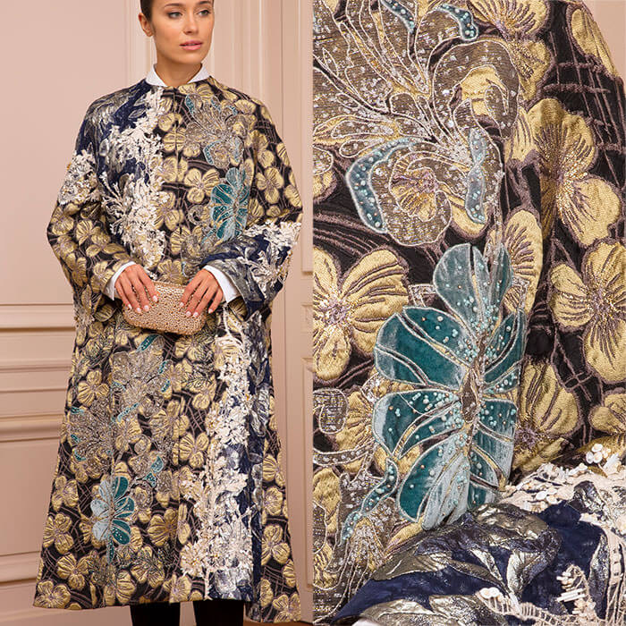 Collarless brocade swing coat embroidered with golden clovers