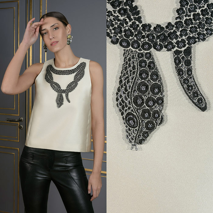 Sleeveless snake top